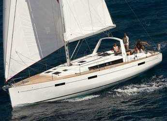 Chartern Sie segelboot in Porto Lotti  - Oceanis 45 - 4 cab.
