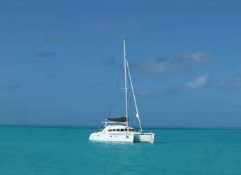 Rent a catamaran in Palm Cay Marina - Lagoon 380 - 3 cab.