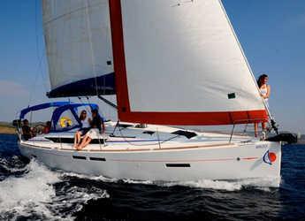 Rent a sailboat in Nelson Dockyard - Sunsail 41 (Classic)