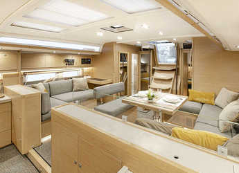 Alquilar velero en Marina Tourlos - Dufour 530
