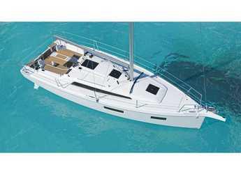 Chartern Sie segelboot in Cala dei Sardi - Oceanis 34.1