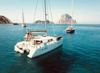 Rent a catamaran in Club Naútico de Sant Antoni de Pormany - Lagoon 400 S2