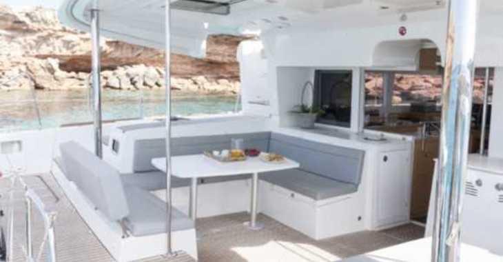 Rent a catamaran in Club Náutico Ibiza - Lagoon 450