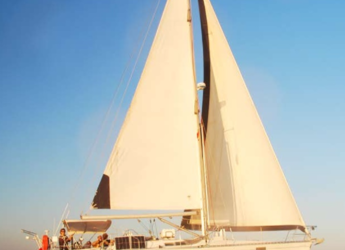 Rent a sailboat in Santa Ponsa - Beneteau Oceanis 390