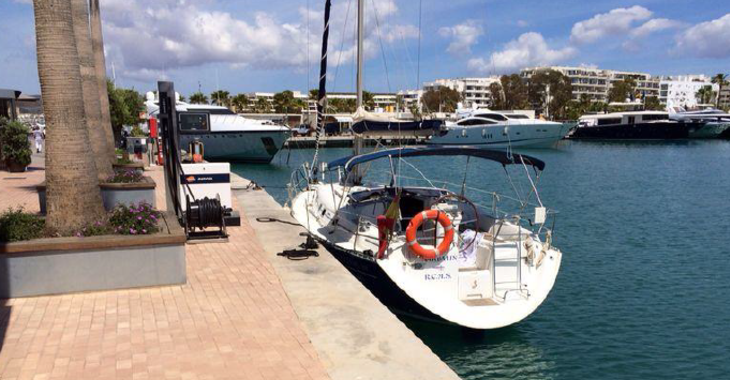 Rent a sailboat in Marina Ibiza - Oceanis 361