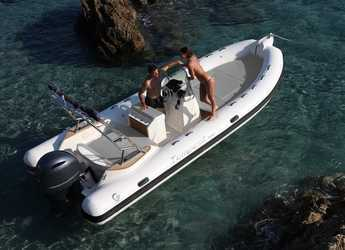 Rent a dinghy in Marina Ibiza - Capelli tempest 650