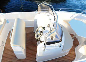 Rent a motorboat Pacific Craft 625 Open in Marina Ibiza, Ibiza (city)