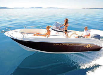 Rent a motorboat in Marina Ibiza - Pacific Craft 625 Open