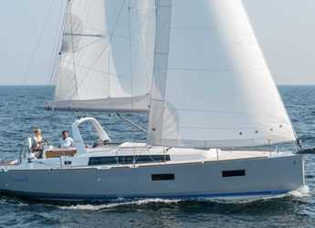 Rent a sailboat in Port of Tarragona - Beneteau Oceanis 38