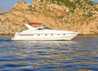 Rent a yacht in Port Adriano - Fairline Targa 43