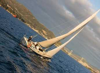 Rent a sailboat in Vigo  - Astafersa 2001