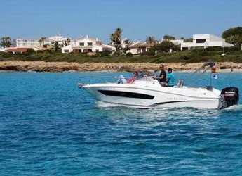 Chartern Sie motorboot in Puerto Deportivo Cala'n Bosch - Cap Camarat 750wa