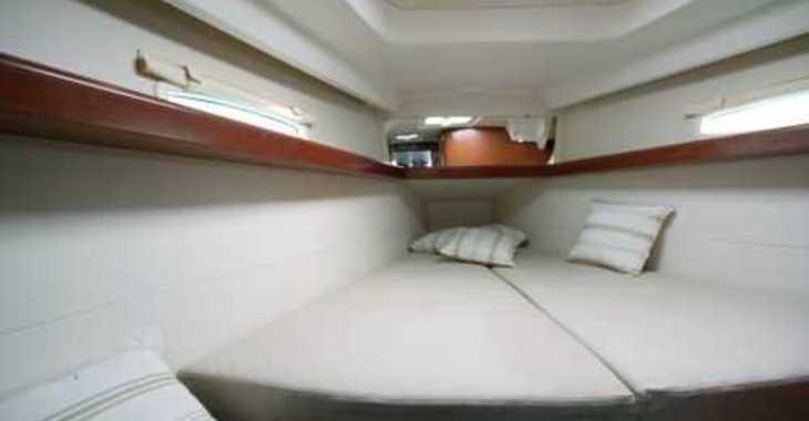 Alquilar velero Beneteau Oceanis 40  en Club Naútico de Sant Antoni de Pormany, Sant antoni de portmany
