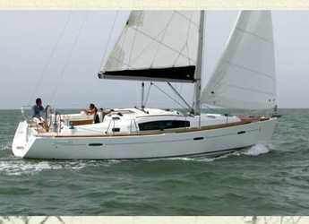 Rent a sailboat in Club Naútico de Sant Antoni de Pormany - Beneteau Oceanis 40