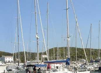 Rent a sailboat in Port Mahon - Dufour 35 Classic