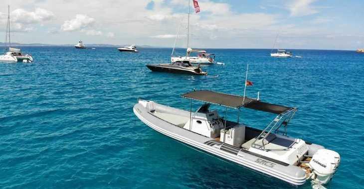 Alquilar neumática en Marina Ibiza - Sacs S33 X-File