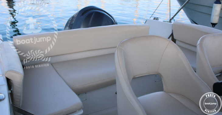 Rent a motorboat in Port Mahon - Pacific Craft 750