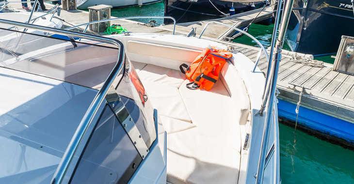 Alquilar barco a motor Pacific Craft 750 en Port Mahon, Mahon