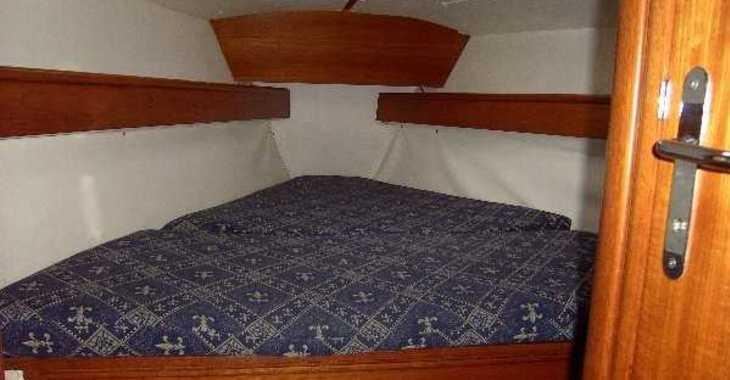 Rent a sailboat in Alimos Marina Kalamaki - Sun Odyssey 37.1