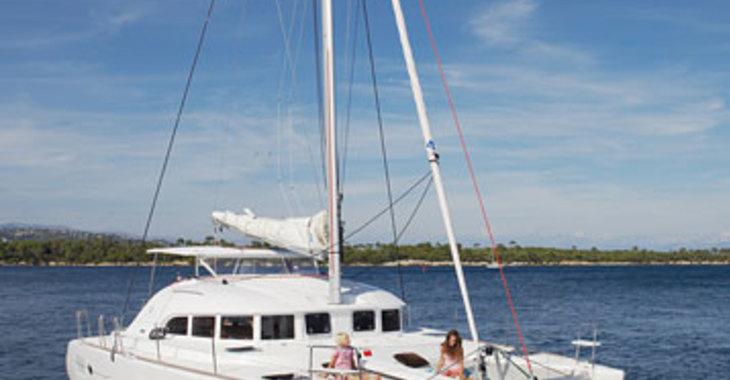 Rent a catamaran in Port Louis Marina - Lagoon 380