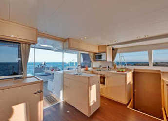 Rent a catamaran in Baie Ste Anne - Lagoon 450