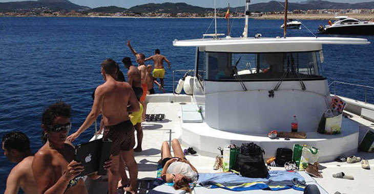 Rent a catamaran in Marina el Portet de Denia - Mascalzone