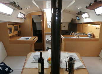 Chartern Sie segelboot Beneteau First 34.7 in Marina Palamos, Palamos