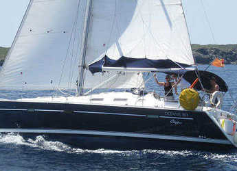 Rent a sailboat in Port Mahon - Oceanis 393