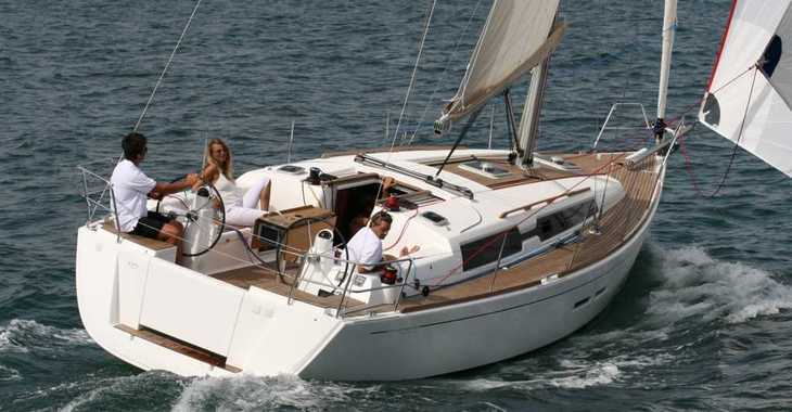 Rent a sailboat Dufour 375 in Port Mahon, Mahon