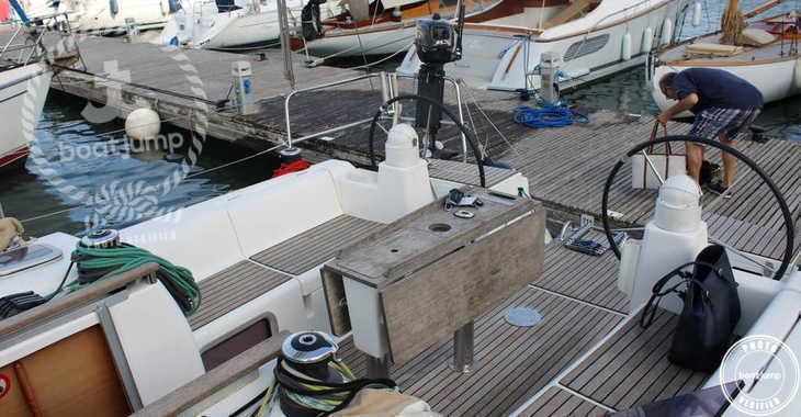 Rent a sailboat in Port Mahon - Dufour 375