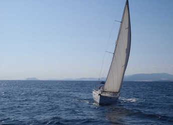 Rent a sailboat in Gandia - Beneteau Oceanis 390