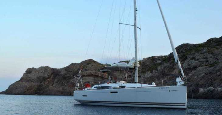 Rent a sailboat Jeanneau Sun Odyssey 379 in L´escala, Girona