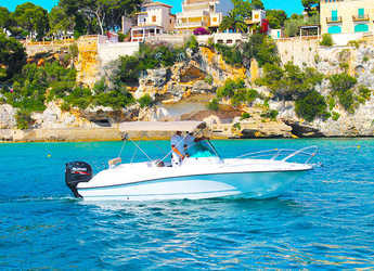 Rent a motorboat in Marina Porto Cristo - RoDa 730