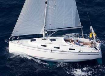 Rent a sailboat in Vilanova i la Geltru - Bavaria 32 Cruiser