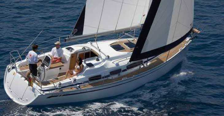 Rent a sailboat in Vilanova i la Geltru - Bavaria 31