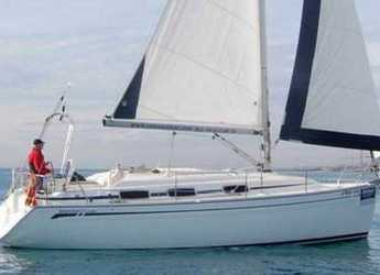 Rent a sailboat in Vilanova i la Geltru - Bavaria 30