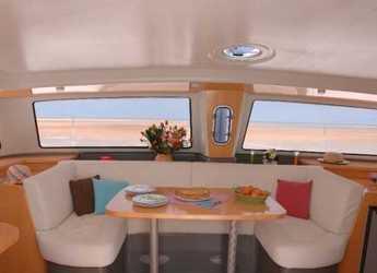 Alquilar catamarán Fountaine Pajot Mahé 36 en Vilanova i la Geltru, Barcelona