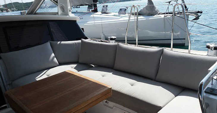 Rent a sailboat in Port Mahon - Beneteau Sense 57