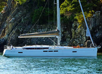 Rent a sailboat in Port Lavrion - Sun Odyssey 519