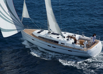 Rent a sailboat in Port Lavrion - Bavaria 46 Cruiser