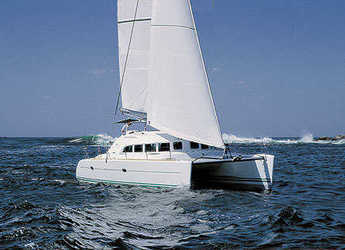 Chartern Sie katamaran in Marina Formentera - Lagoon 380 S2