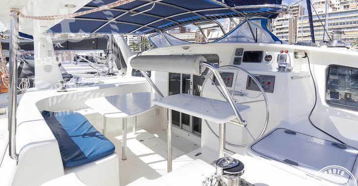 Rent a catamaran in Puerto Deportivo Radazul - Voyage 440