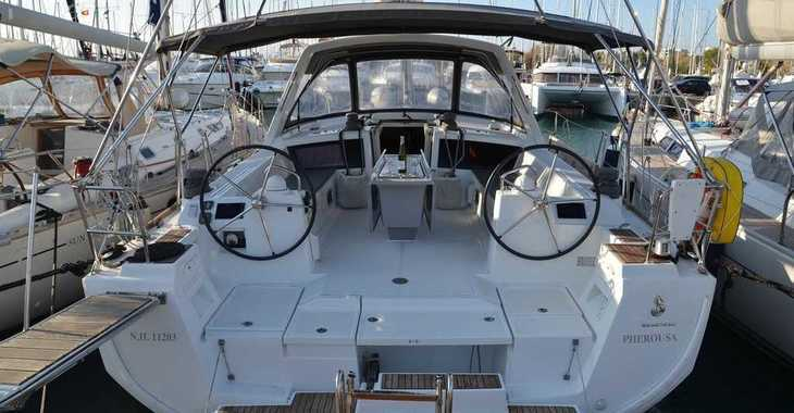 Rent a sailboat in Alimos Marina Kalamaki - Oceanis 48