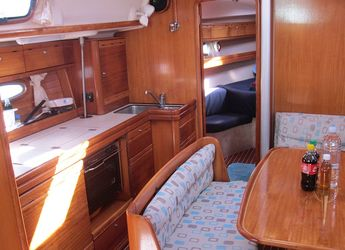 Chartern Sie segelboot Bavaria 39 Cruiser in True Blue Bay Marina, True Blue