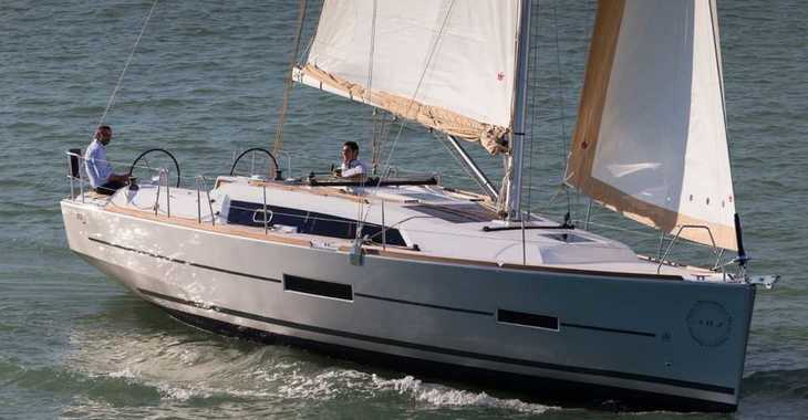 Rent a sailboat in Palm Cay Marina - Dufour 382 Grand Large