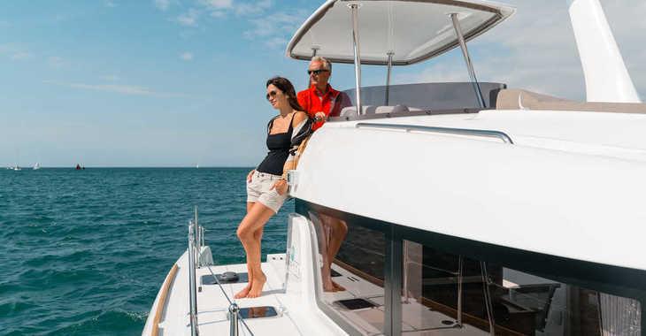Rent a catamaran Lagoon 39 in Palm Cay Marina, Nassau