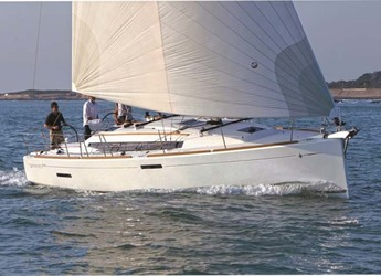 Rent a sailboat in Palm Cay Marina - Sun Odyssey 379