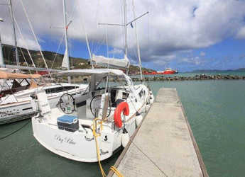 Rent a sailboat Oceanis 350 in Port Purcell, Joma Marina, Road town