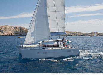 Rent a catamaran in Jolly Harbour - Lagoon 400 S2