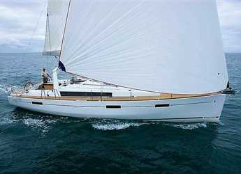 Rent a sailboat in Marina Mandraki - Oceanis 45